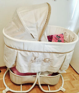 Carter's bassinet (almost brand new)