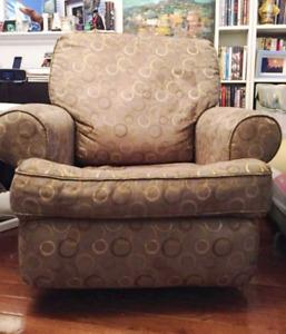 Baby nursery glider rocking chair recliner