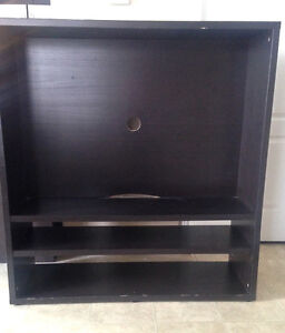 Meuble ikea kijiji free classifieds in gatineau find a for Meuble tele laque blanc ikea