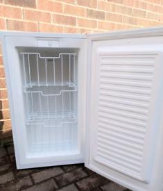 Undercounter three draw freezer