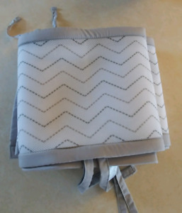 New Never Used. Grey chevron breathable crib liner