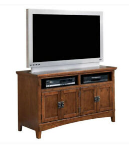 Cross Island TV STAND / ENTERTAINMENT CENTER