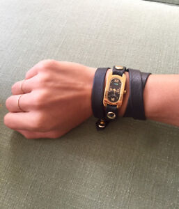 Black and Gold La Mer Wrap Watch
