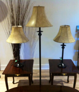 Set of 3 Coffee Tables and 3 Lamps