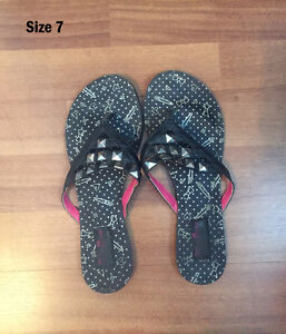 Abbey Dawn by Avril Lavigne sandals - Size 7
