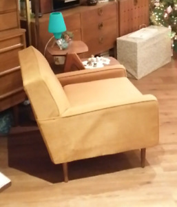 Mid century chair (Mad Men style)