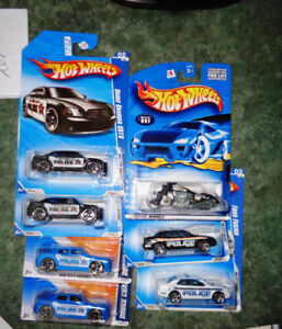HW Diecast State Police Bike Dodge Charger SRT 8 Ford Fusion