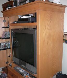 Meuble TV multi-usage / Multi-purpose wall unit