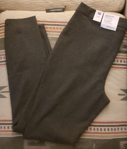 Size 10 Reitmans Leggings  Brand New with Tag