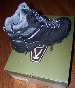 ---->  KEEN DELTA a Winter Hiking Boots Size US 11 (New in Box)