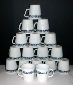 Pyrex and Corning Coffee mugs in OLD TOWN BLUE design Windsor Region Ontario image 1