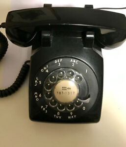 1960's fully functional rotary dial telephone vintage