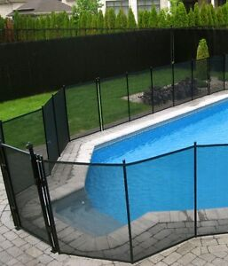 REMOVABLE POOL FENCE IN BARRIE : Child safe fence
