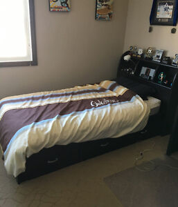 Youth Twin Mates Bed with Head Board and under Bed 3 Drawer