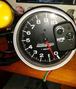 5 inch autometer tach with light