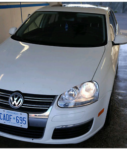 Selling jetta 2006 tdi low mileage !!!
