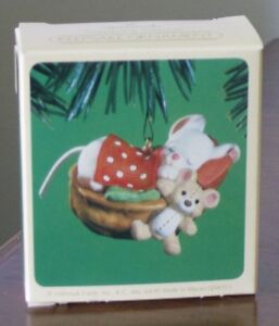 Napping Mouse (1984) by Hallmark Kingston Kingston Area image 1