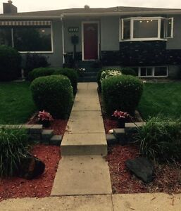 TOTALLY REMODLED RIVER VALLEY VIEW BUNGALOW!!!
