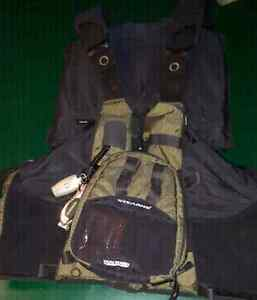 STEARNS FISHING  PADDLING VEST STYLE PFD
