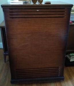 Leslie 710 rotary speaker cabinet