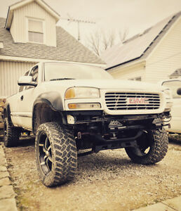 * LIFTED 2001 GMC SIERRA 1500 4X4 - FOR SALE / TRADE FOR?! *