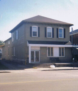 Large 1BR apt. Ready July 1st, Nice and cozy.Downtown Belleville