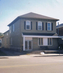 Large 1BR Ready by Nov 1st. Downtown Belleville Nice and cozy