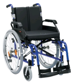 De Vilbiss Drive Comfort Folding Aluminium Wheelchair