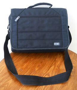 Sac de transport pour ordinateur portable INIT (15$) 2 photos