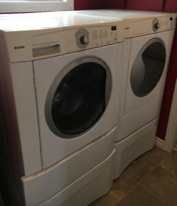 Kenmore washer dryer set with pedestal stands