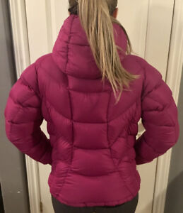 MEC WOMENS RASPBERRY NYLON DOWN FILLED PUFFER JACKET