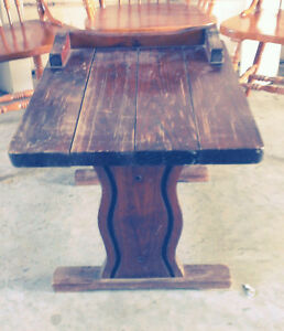 Vintage Heavy Wood Table Price reduced to $20.00 Cornwall Ontario image 4