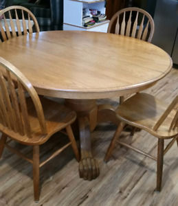 Antique  Oak dining table and 6 chairs, extendable