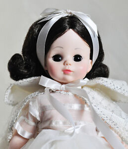 "MADAME ALEXANDER DOLL SNOW WHITE #1555 14"" VINTAGE MINT w BOX Stratford Kitchener Area image 2"