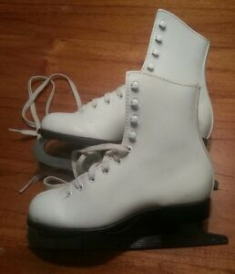 Figure skates size 3  in great condition