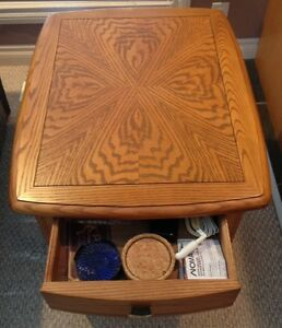 Sklar Peppler Oak End Table -GORGEOUS - Mint Condition-Real Wood Edmonton Edmonton Area image 10