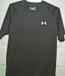 Under Armour HeatGear Loose T Shirt Size Medium and Skull Cap London Ontario image 2
