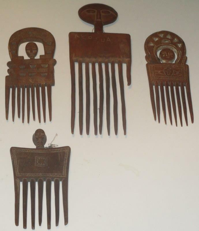 AFRICAN ASHANTI COMBS GROUP OF FOUR OLD AND AUTHENTIC