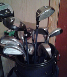 Right handed Spalding Golf clubs with bag/cart and putting green