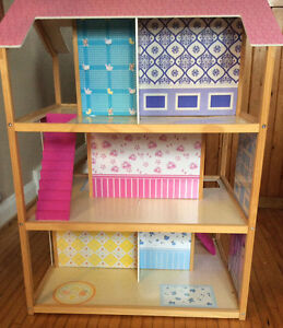 BARBIE WOODEN DOLL HOUSE WITH FURNITURE