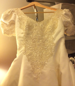 Wedding Dress Size 8 White Short Cap Sleeves Cathedral Train