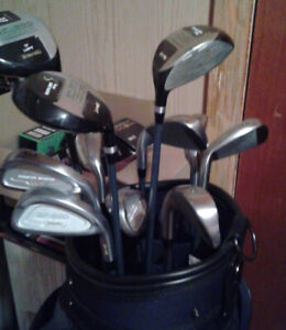 """Right handed Spalding """"Golf Clubs"""" that includes bag"""
