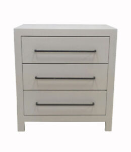 Night stand , Bedside Table < Chest Of Drawers