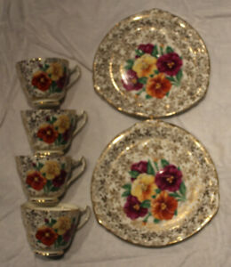 TRENTHAM ROYAL CROWN P ENGLAND 2 Saucers, 2 Sandwich plates