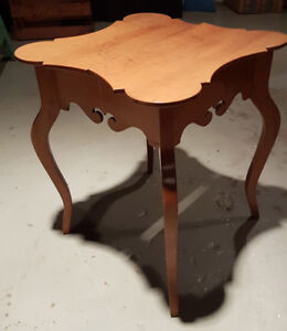 Vintage Maple Coffee Table with shaped legs
