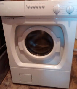 Washer (front load) - Laveuse (frontale)