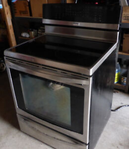 Kenmore Elite induction-convection electric stove