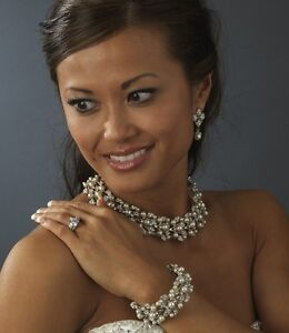 Luxurious PEARL & RHINESTONE Bridal Necklace Bracelet and Earrings Set
