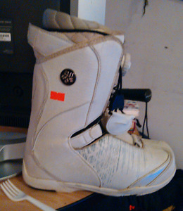 Snowboard boots size 7.5