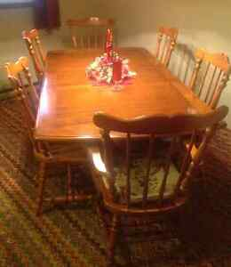 Dining Room Set - Table, Chairs, Buffet & Hutch
